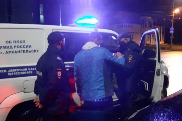В нескольких кварталах от офиса машину, на которой ехала Оксана Владыка, остановили сотрудники ДПС и полиции<br>