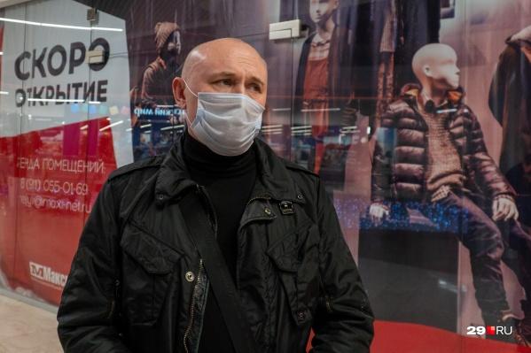 АнатолийЖвайкин заберет товар только с полицейскими и экспертами, которые оценят ущерб