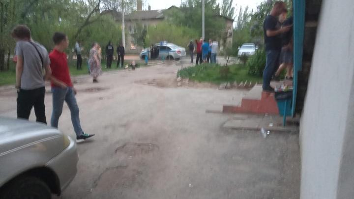 Молодые все, с молотками: в Волгограде произошла массовая драка между подростками