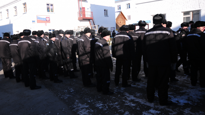Московского машиниста, который срывал шлем с росгвардейца, оставили в колонии в Нижнем Тагиле