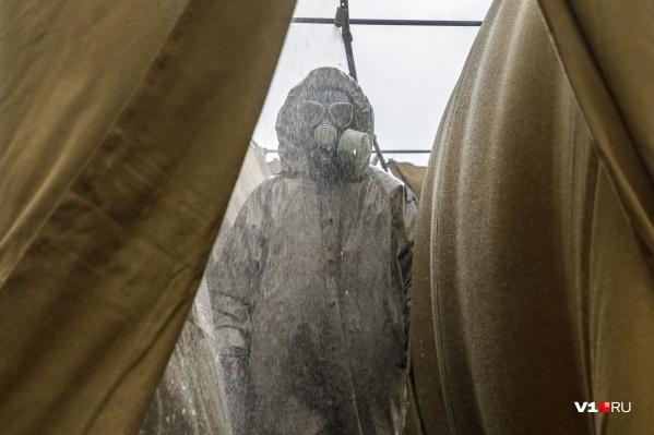 Ранее спасатели и военные уже отработали взаимодействие в условиях пандемии
