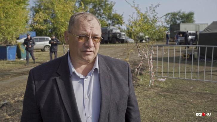 Александр Есипов возглавляет пункт временного размещения мигрантов больше двух недель