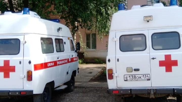 «Возим тяжелых больных, и нам не положено?»: в Нехаевской ЦРБ организовали проверку по жалобам водителей скорых