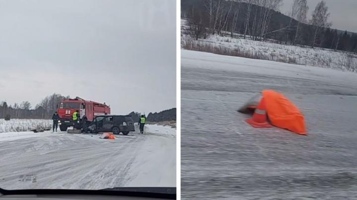 Водитель на Енисейском тракте вылетел со своей полосы — погибли двое во встречной машине