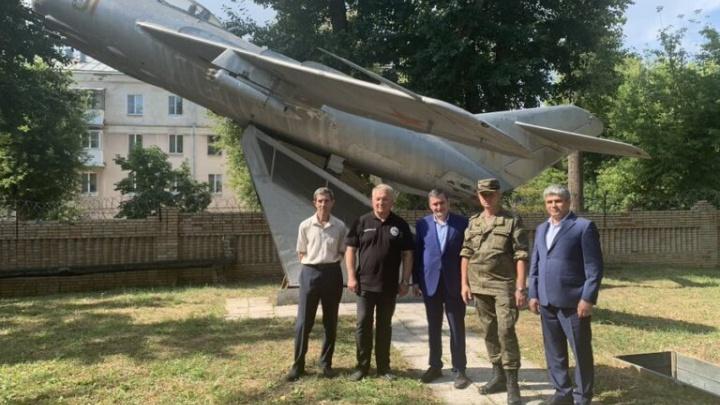 Жители Самары выберут, где установить самолет МиГ