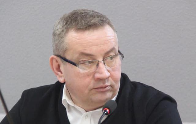 Глава Чусовского района Белов заявил в полицию на комментаторов — они ругались на дороги и переставили буквы в его фамилии