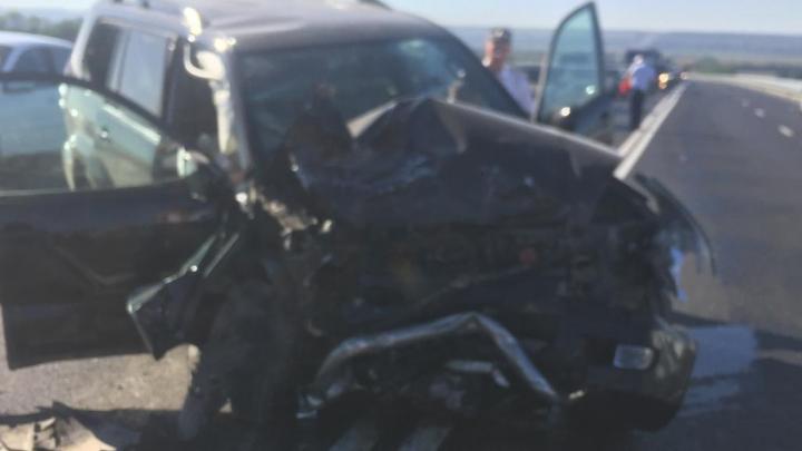 В Ростовской области два человека погибли в тройном ДТП на трассе М-4
