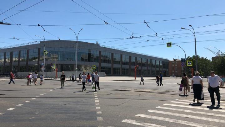 В мэрии Кемерово рассказали, когда закончится строительство нового торгового центра у Парка Ангелов