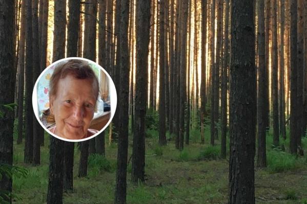 Пожилая женщина сумела сама выбраться из леса