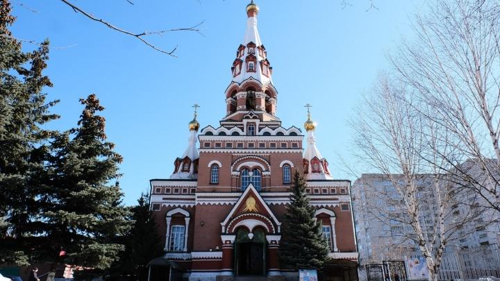 Почему во время режима самоизоляции не закрывают храмы? Отвечают пермские священники