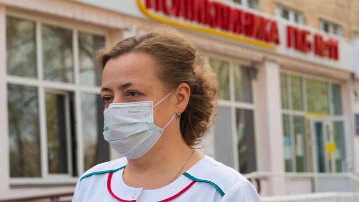 «У нас теперь все отделения — инфекционные»: главврач больницы, в которой лежат омичи с COVID-19