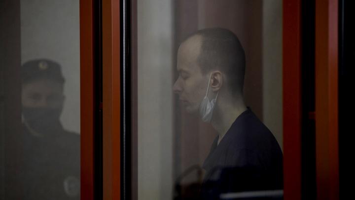 «Причины явно серьезные»: Уктусского стрелка увезли в тюремную больницу