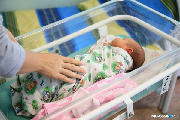 Минимум 9 младенцев родили в Красноярске для продажи