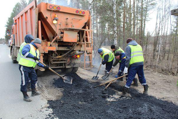 В Котласском районе подрядчику дали две недели на устранение дефектов при ямочном ремонте трассы
