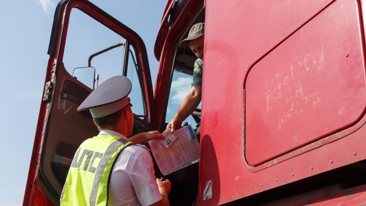 Занимайте правый ряд: волгоградцев предупредили о тотальных проверках при въезде в Ростов