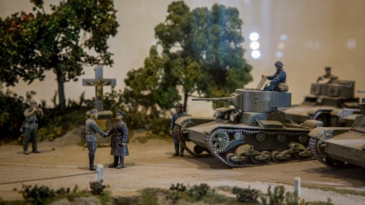 Чем мы побеждали немцев: 12 мощных фото с выставки миниатюрной военной техники в Новосибирске