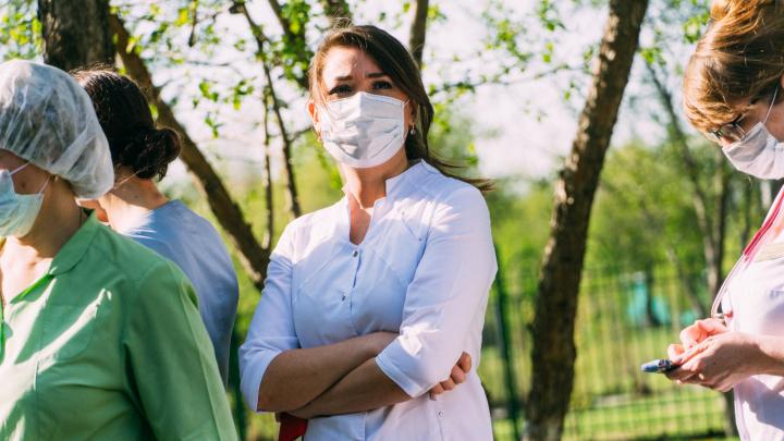 В Омской области коронавирус нашли ещё у 30 человек, один больной умер