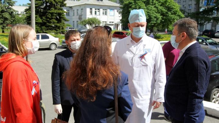 «Это правда, сейчас и здесь у нас»: видеообращение главврача архангельской больницы из-за коронавируса
