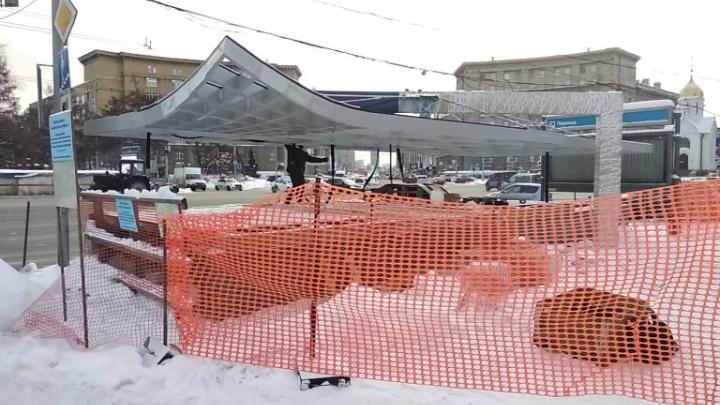 Над переходом под Красным проспектом появилась изогнутая дизайнерская крыша — когда он откроется