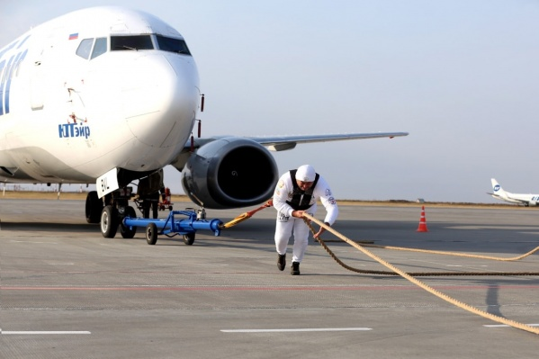 Рекорд стронгмен из Челябинской области поставил на самолете, летающем регулярными рейсами