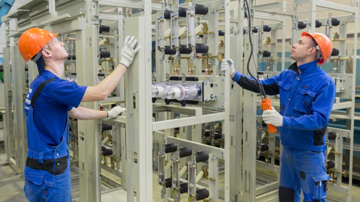 Челябинскому заводу электрооборудования — 10 лет: от небольшого цеха до индустриального гиганта
