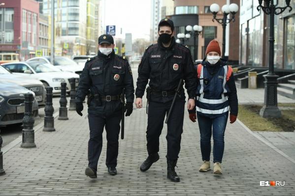 Десятки полицейских патрулей все выходные дежурили на улицах Екатеринбурга
