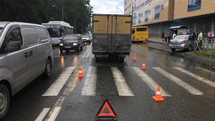 В Ленинском районе Hyundai сбил 6-летнего ребёнка — пострадавшего увезли в больницу
