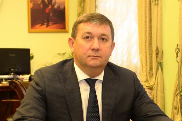 Медведев брал взятку у руководителя местного рынка