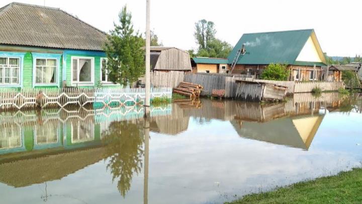Вода отступила от трёх населённых пунктов из семи, а в Канске готовятся к подтоплению