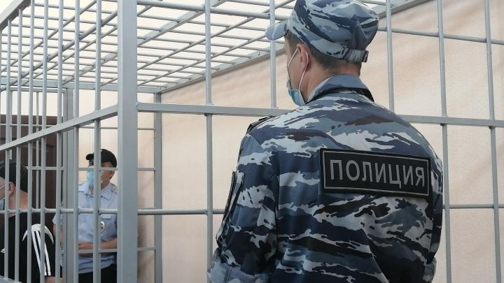 Напавшего на двух женщин на левом берегу Омска отправили в СИЗО
