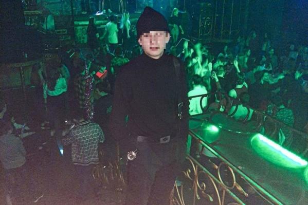 17-летнего студента из Челябинска убили во время массовой драки