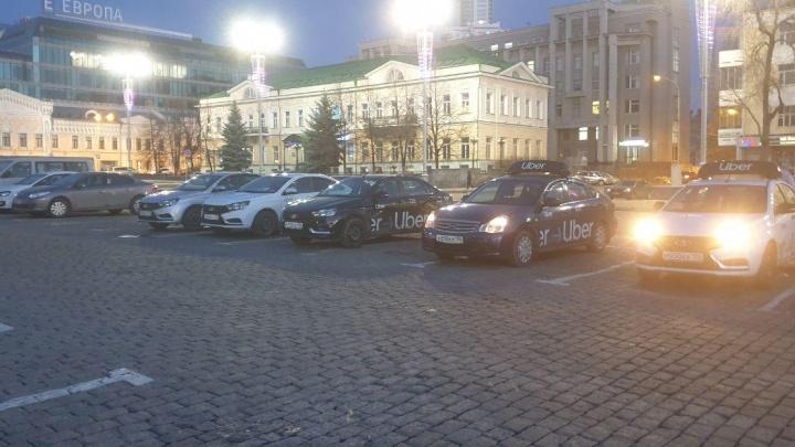 Штрафы вместо конкретики: областные власти отказались менять антиковидные требования к такси