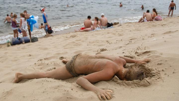 В масках на ЕГЭ будут преподаватели, пляжи пока не открыты: все самое важное с брифинга по коронавирусу