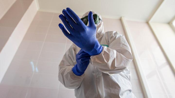 85 медиков БСМП смогли наконец-то покинуть работу. Они месяц непрерывно спасали коронавирусных больных