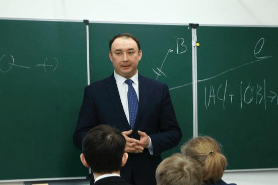 Жители Башкирии создали петицию за отставку министра образования