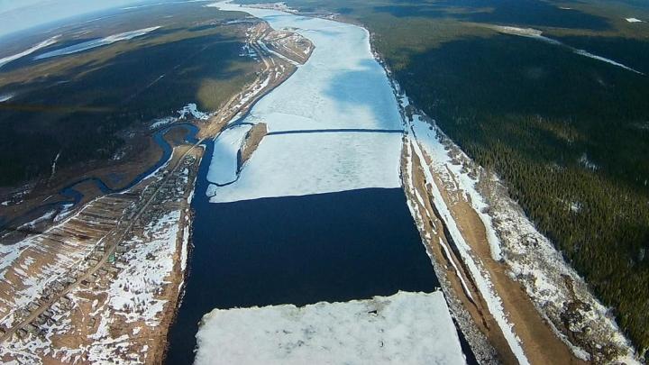 В Архангельской области вскрылся лёд на реках Пинега и Мезень
