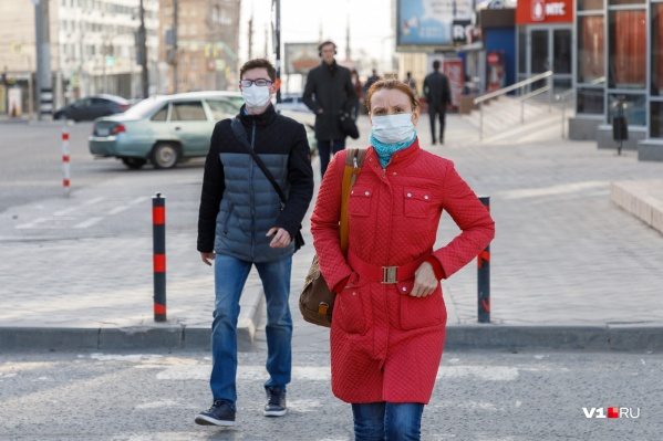 По мнению специалиста, горожане страдают не от вируса, а от постоянной борьбы с ним