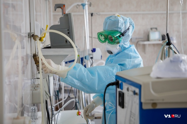 На связь с губернатором и журналистами вышли врачи разных больниц
