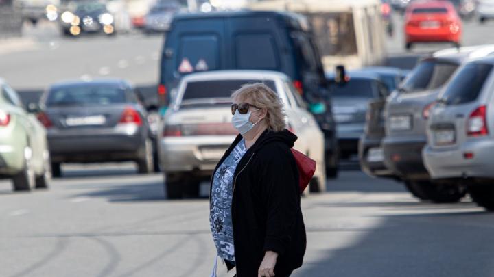 Сотни заражённых в сутки и финал скандала с доплатами врачам. О коронавирусе в Челябинске — в режиме онлайн