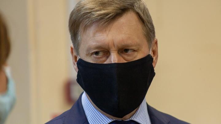 Анатолий Локоть ответит на вопросы читателей НГС в прямом эфире. Задайте свой!