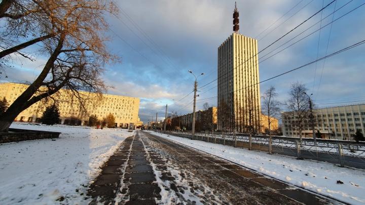 «Куда ни пойди — всё плохо»: после прогулки блогер ответил, почему молодежь уезжает из Архангельска