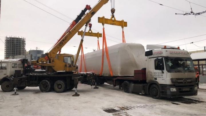 В Пермь приехал первый трамвай «Львенок» из новой партии