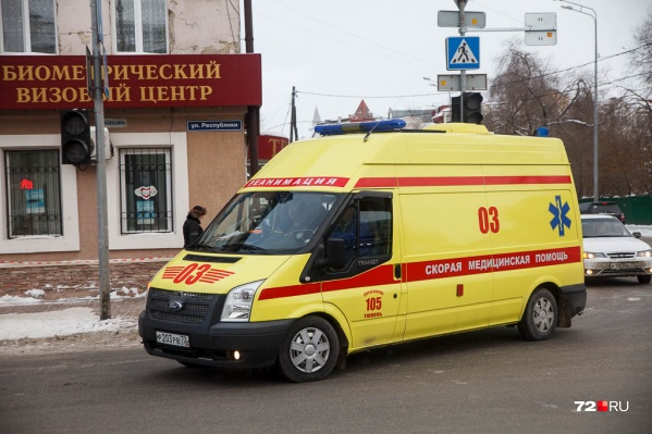 Медиков скорой помощи пенсионер вызвал ранним утром 19 марта. Он никак не мог остановить носовое кровотечение