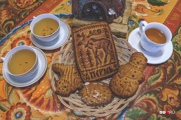 На столе не только пряники собственного производства, но и чай, собранный семьей Вязовых — Кожуховых