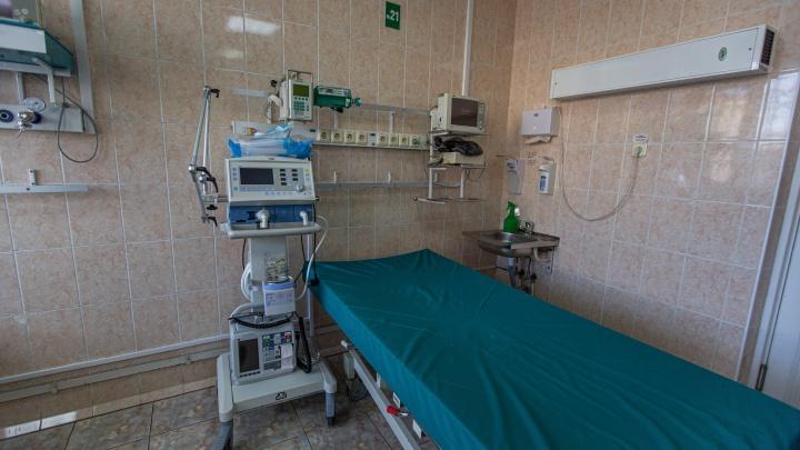 В Новосибирской области количество заболевших за сутки приблизилось к пику третьей волны