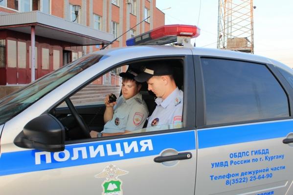 В эти выходные зауральские полицейские всем составом искали пропавшего в деревне ребёнка
