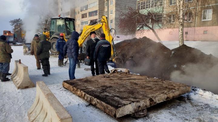 В Башкирии жильцы высоток вторые сутки сидят без отопления из-за аварии на теплотрассе