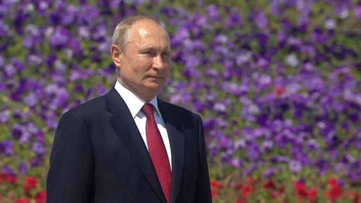 Путин наградил трёх омских медиков орденами Пирогова (их учредили за два дня до этого)