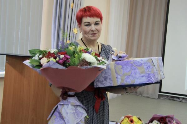 Лесопромышленники поздравили педагогический состав техникума с праздником