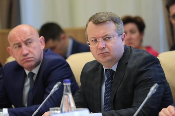 Василий Рудой (справа)